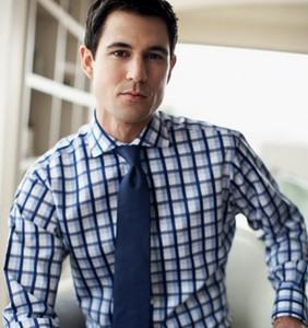 Мужская мода 2012: упор на приталенные мужские рубашки и клубные пиджаки со стойками